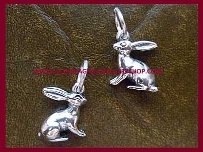 Hare Charm (3D)