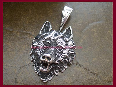 Wolf Pendant - Click Image to Close