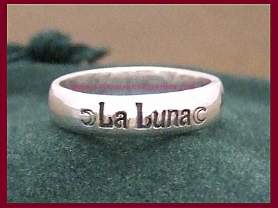 La Luna Ring with Crescent Moons