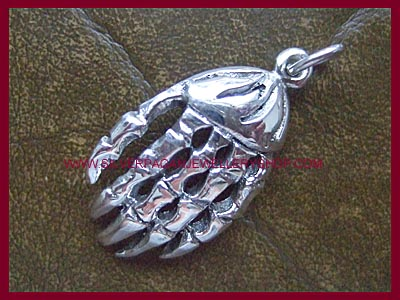 Skeleton Hand Pendant - Click Image to Close