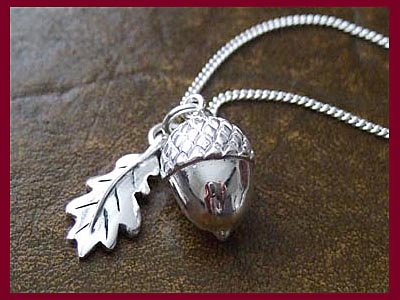 Acorn & Oak Leaf Necklace 1 **LOW STOCK**