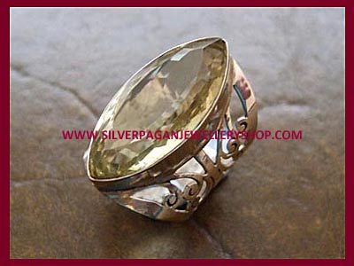 Facetted Yellow Topaz Ring