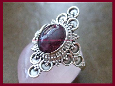 Garnet Ring - Black Magic