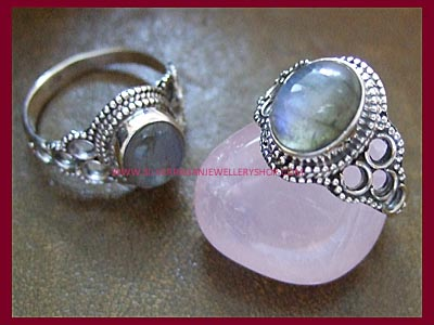 Labradorite Moonchild Ring
